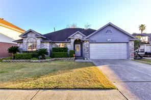 8806 Huntersfield Lane, La Porte, TX 77571