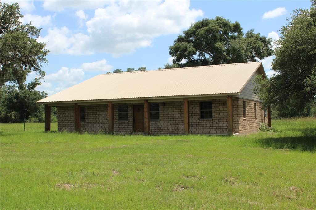 1400 County Road 126, Edna, TX 77957