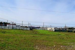 5021 spencer highway, pasadena, TX 77505