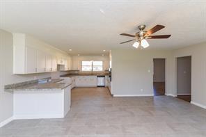 2509 pecan manor street, baytown, TX 77520