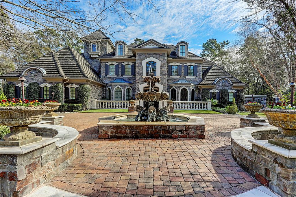 26 Damask Rose Way, The Woodlands, TX 77382
