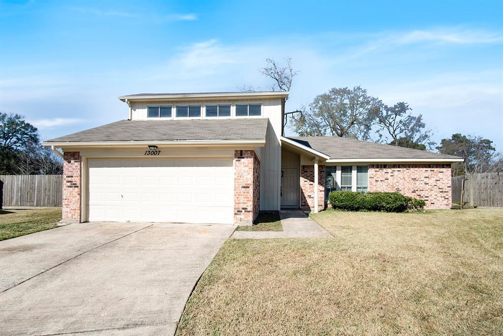 13007 Ellesmere Drive, Houston, TX 77015