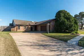 520 Buttonwood Drive, Texas City, TX 77591