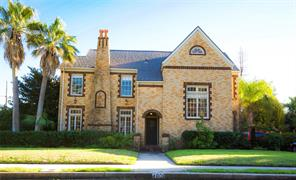 4801 denver drive, galveston, TX 77551