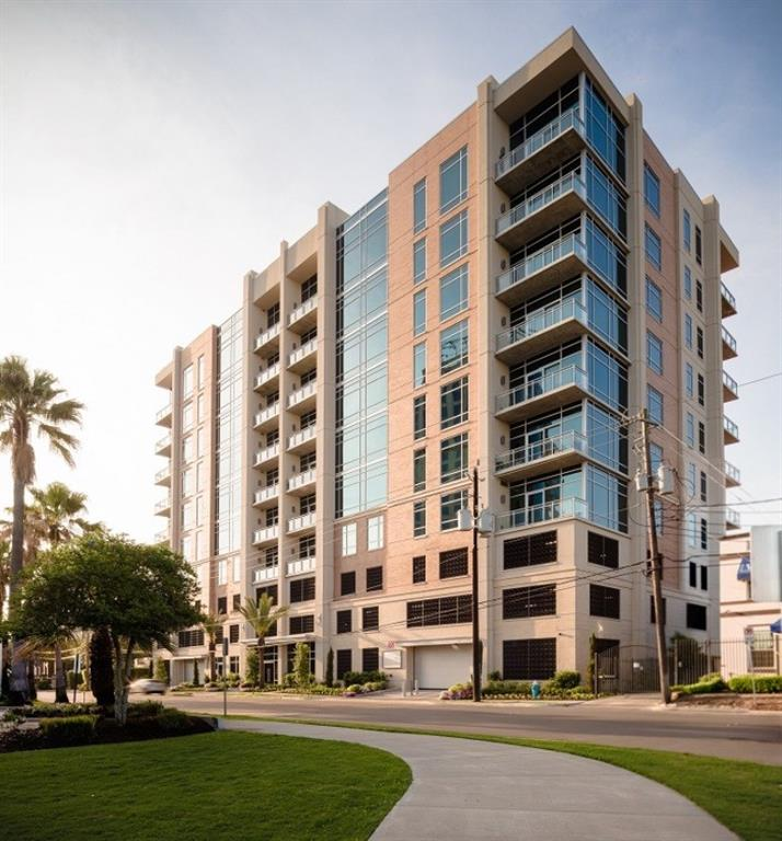 BRAND NEW & READY FOR MOVE IN! RIVA at the Park is a stunning new condominium by Sims Luxury Builders. Incredible location off Allen Parkway-steps away from Buffalo Bayou Park, fabulous dining and convenient shopping-and only minutes from downtown, River Oaks and Montrose. Enjoy lock and leave luxury and amenities normally only found in a high rise, but with privacy and scale of intimate 29 Unit building. Fitness center, 24/7 concierge, rooftop lounge with grilling area, and guest parking in garage. Spacious 3 bedroom, 3.5 bathroom home features fabulous downtown views and loaded with upgrades: Lutron lighting control, integrated sound system, wine refrigeration, Miele appliances, Eggersmann cabinets and motorized shades. Grand master suite with attached study, marble-clad bathroom & HUGE custom closet. Includes two dedicated parking spaces (46 & 47) a 134 sq.ft. climate controlled storage unit (#13).