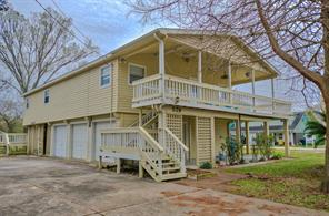 529 Pine Road, Clear Lake Shores, TX 77565