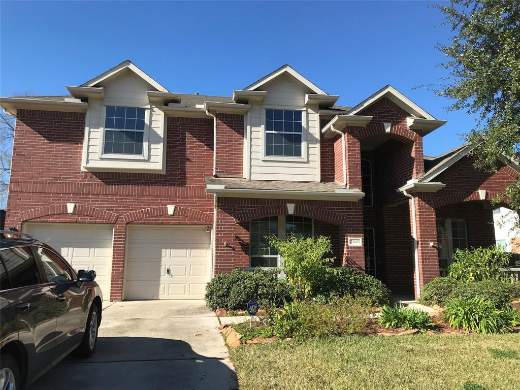 Downstairs master, formal dining, study, laminate wood flooring in living areas, breakfast bar, open living room with high ceilings, game room and 2 full baths upstairs, covered back patio and cozy front porch.  Room sizes are approximate, schools should be ver