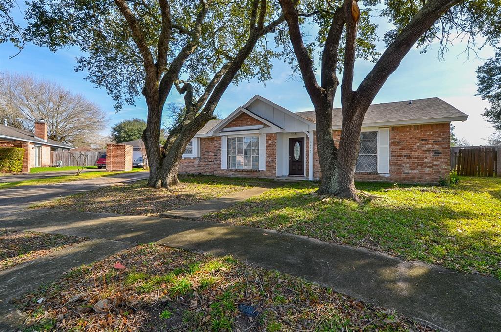 8615 Brookren Circle, Houston, TX 77072