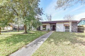 2219 Bayou Drive, League City, TX 77573