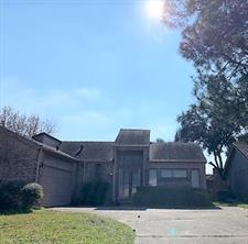 6111 Ogden Forest, Houston TX 77088