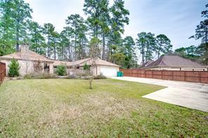 1632 Pine Oak Drive, Conroe, TX 77304