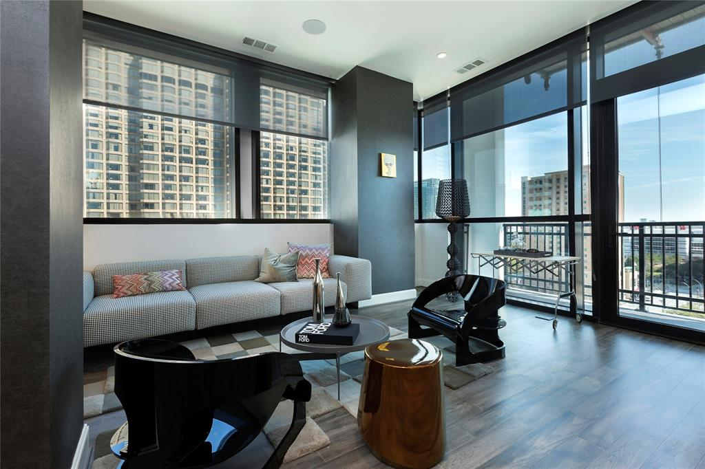 New construction in Downtown Houston.  93 residences with 1,2, and 3 bedrooms. Building features 24hr concierge, valet parking, private garages available, Pied-A-Terre for guests, Starlight Pool and Hot tub, fitness center, steam room, massage room, sauna, and fire pit. Standard features: 10ft ceilings with 10ft of glass, PEDINI Cabinets, hardwood floors in living area. Steps away from Discovery Green, Toyota Center, House of Blues, Phoenicia and MORE! 80% SOLD!