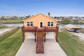 102 Ball Street, Rockport, TX 78382