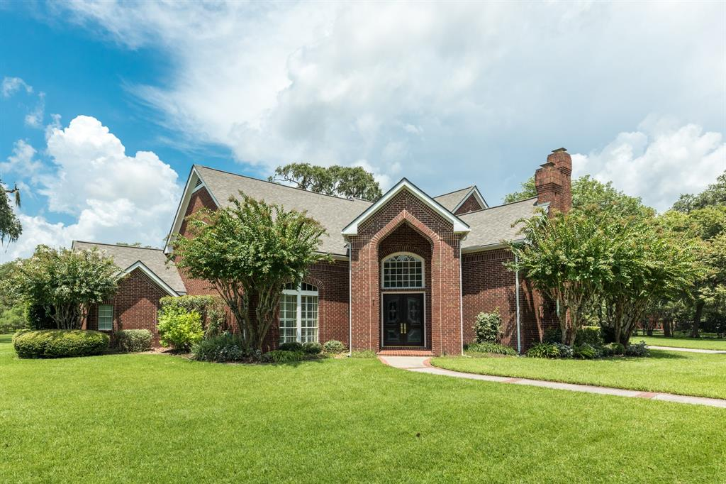3 Lakewood Lane, Lake Jackson, TX 77566