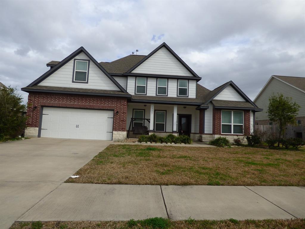 13907 Hawthorne Circle, Mont Belvieu, TX 77523