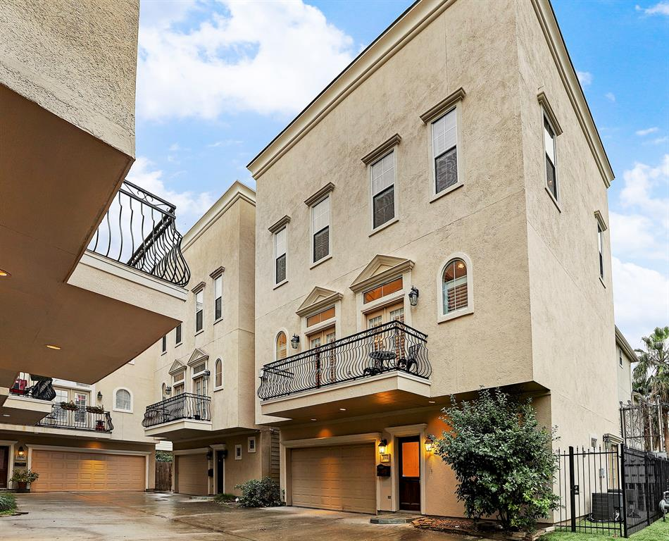 1502 Birdsall Street, Houston, TX 77007