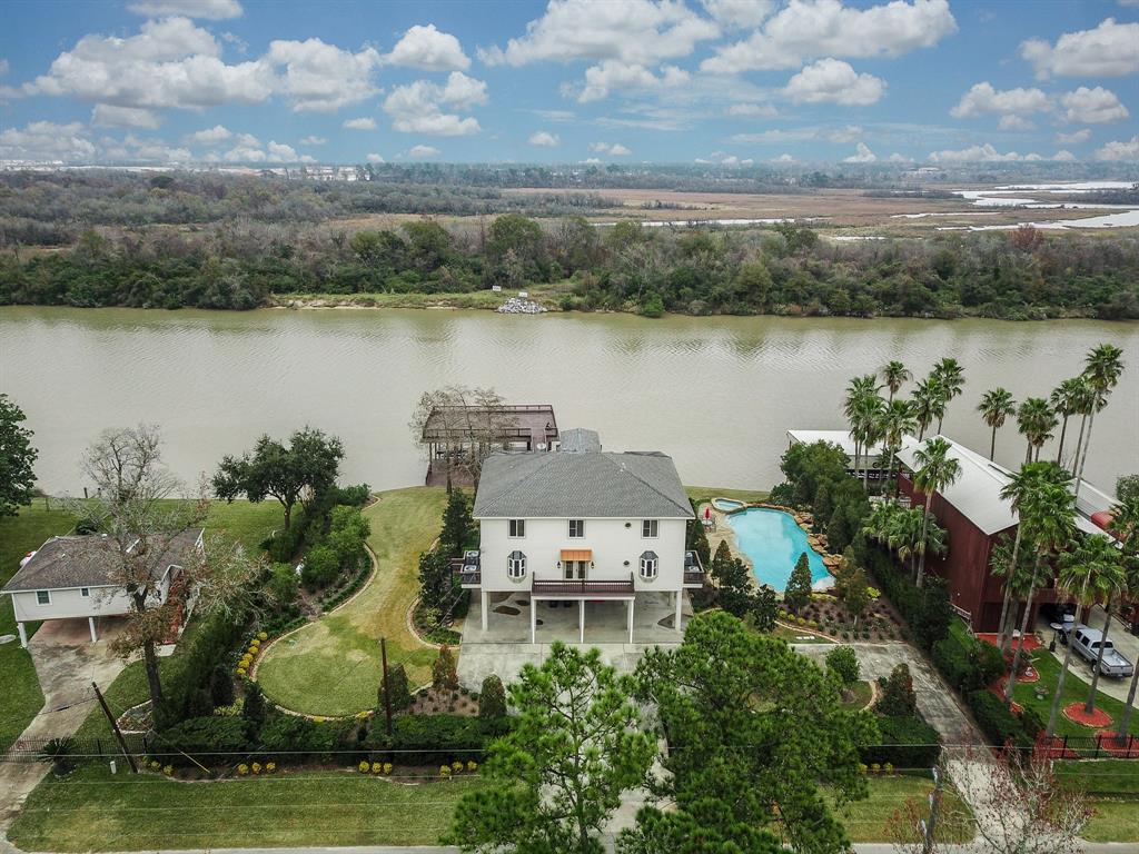 19115 Rio Villa Drive, Houston, TX 77049