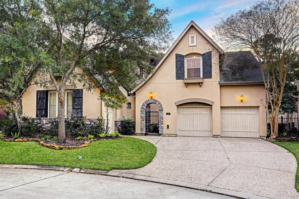 47 Greens Edge Drive, Houston, TX 77339