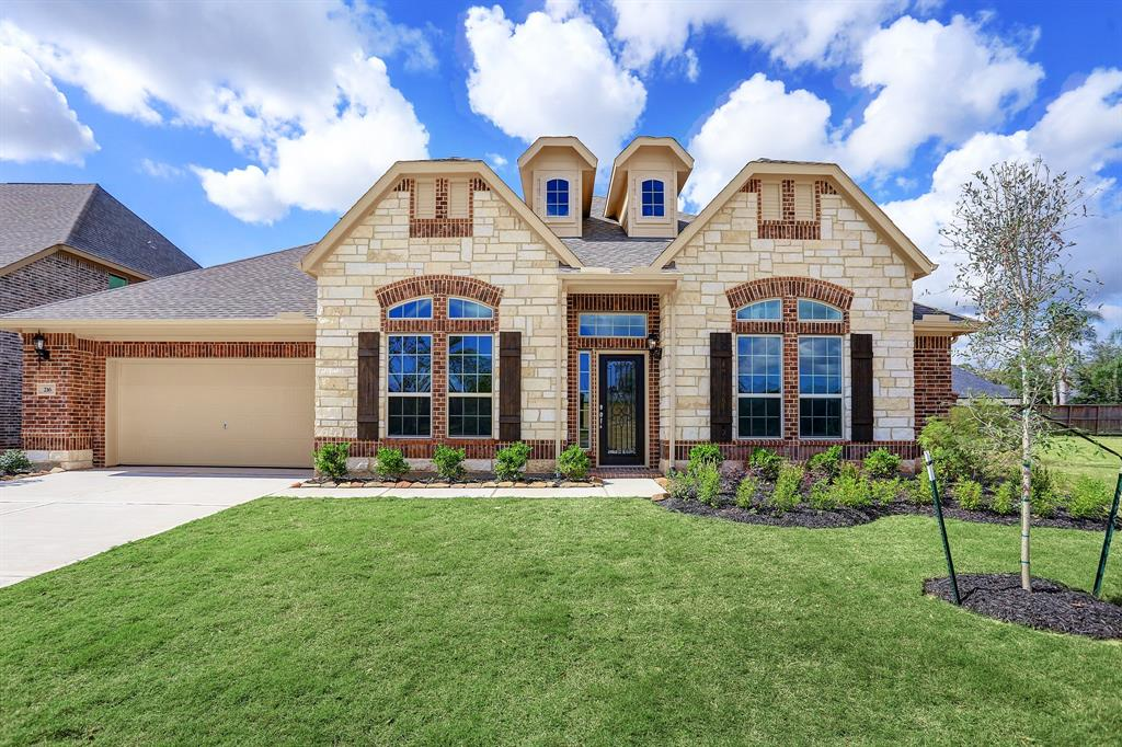 216 Bentwater Lane, Clute, TX 77531