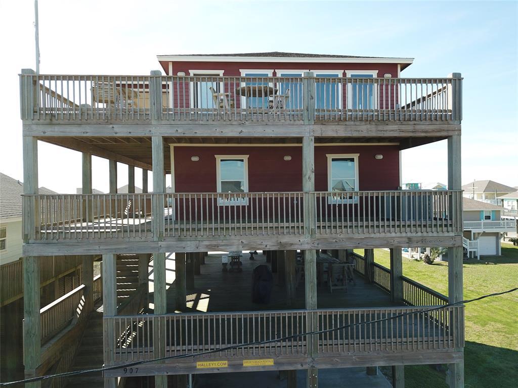 907 S Cove Drive, Crystal Beach, TX 77650
