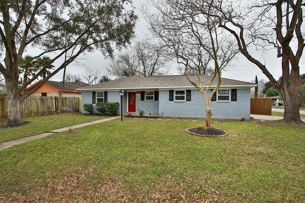 12402 Foxridge Drive, Houston, TX 77037