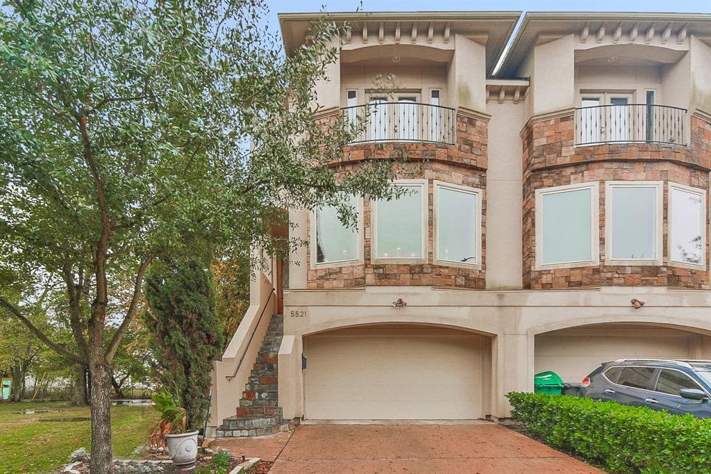 Located seconds from world class shopping and dining in the Galleria, this 3-story home in the premier neighborhood of St. George's Place is in a class of its own. The 3-bedroom, 3.5-bathroom property boasts a premium stone and stucco elevation, high ceilings, hardwood flooring, spiral staircase with wrought iron spindles, crown molding, gas fireplace with cast stone surround, elevator shaft, built-ins throughout, game room with tray ceiling and wet bar, and 2 balconies with breathtaking city views. The island kitchen is a chef's dream featuring custom cabinetry, granite countertops, stainless steel appliances, corner pantry, and breakfast bar. Retreat to the private first floor master suite with his and her closets, dual vanities, whirlpool tub, and separate shower. Situated within walking distance of the renowned Mandarin Immersion Magnet School, as well as top-rated The School at St. George Place. Enjoy proximity to I-610 and I-69. Don't wait – book your private showing today!