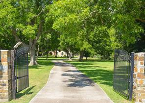 3811 river forest drive, richmond, TX 77406