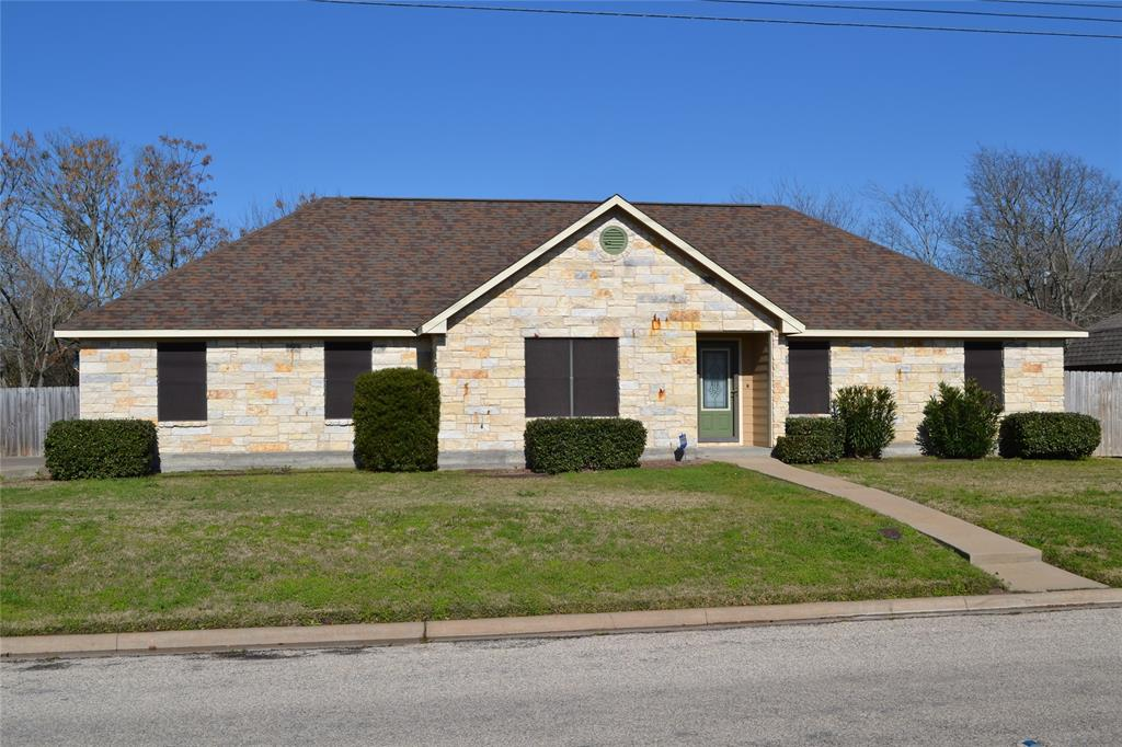 1365 E Independence Street, Giddings, TX 78942