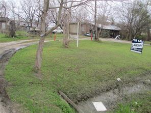 922 w cedar bayou lynchburg road, baytown, TX 77521