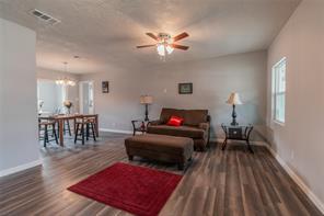302 live oak st street, pasadena, TX 77506