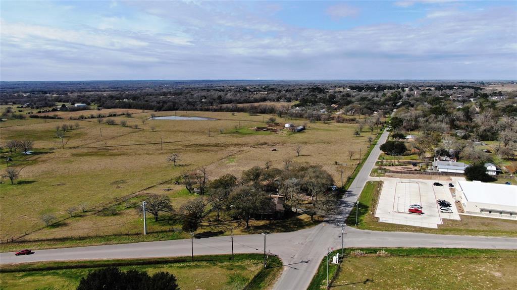 503 E Hacienda Street, Bellville, TX 77418