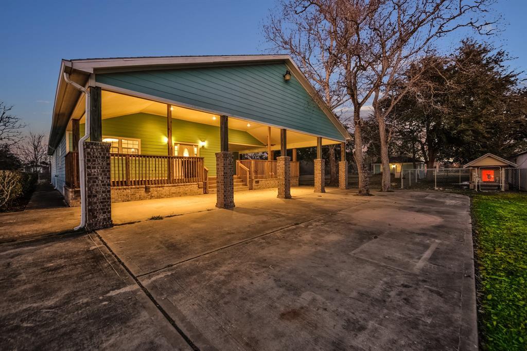6009 Moore Road, Santa Fe, TX 77517