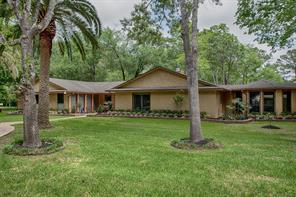 12425 Pine Oak Drive, Dickinson, TX 77539