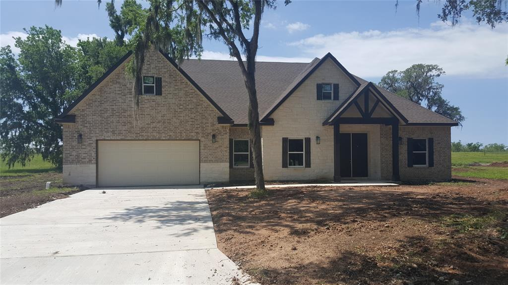 2162 Twin Lakes Boulevard, West Columbia, TX 77486