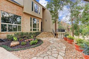 9143 Briar Forest