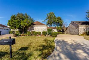 2621 Country Club Boulevard, Sugar Land, TX 77478