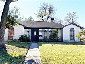 8827 sandstone street, houston, TX 77036