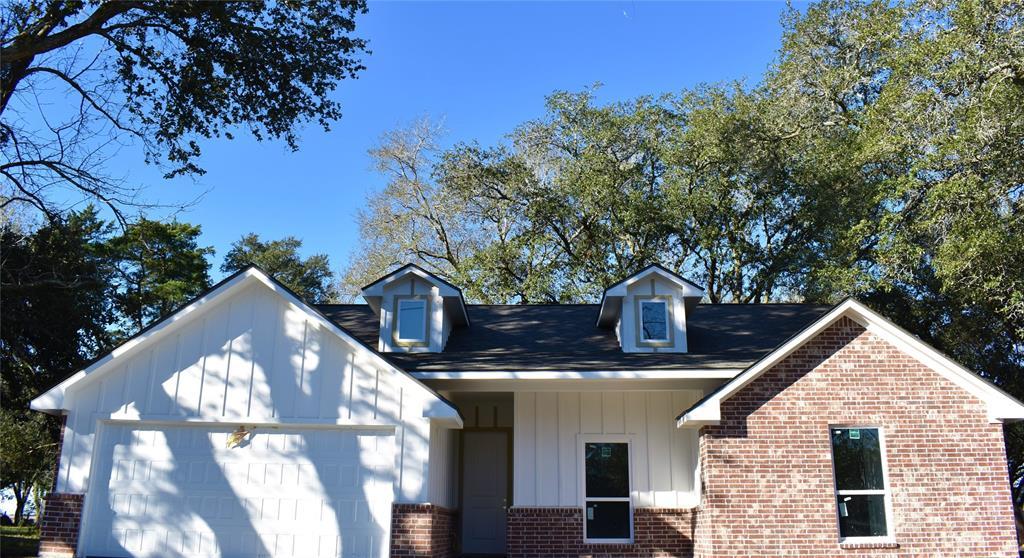 304 Old Wharton Road, East Bernard, TX 77435