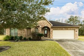 2015 brentwood drive, alvin, TX 77511