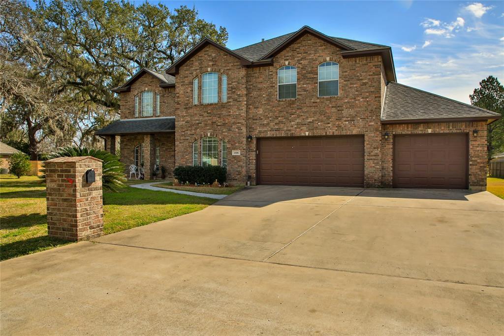 1006 Avenue A, Sweeny, TX 77480