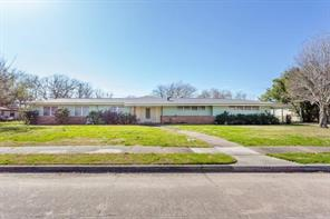 1023 W 7th Street, Freeport, TX 77541