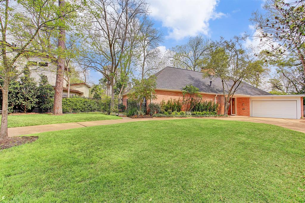 210 Pine Hollow Lane, Houston, TX 77056