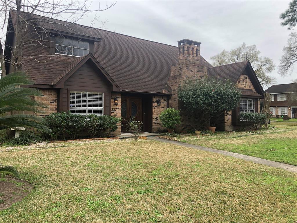 327 White Cedar Street, Houston, TX 77015
