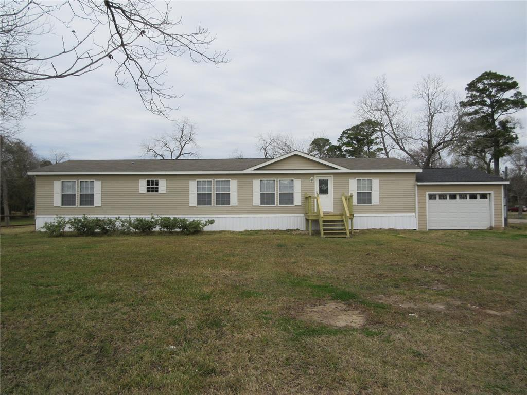902 Clear Lake Road, Highlands, TX 77562
