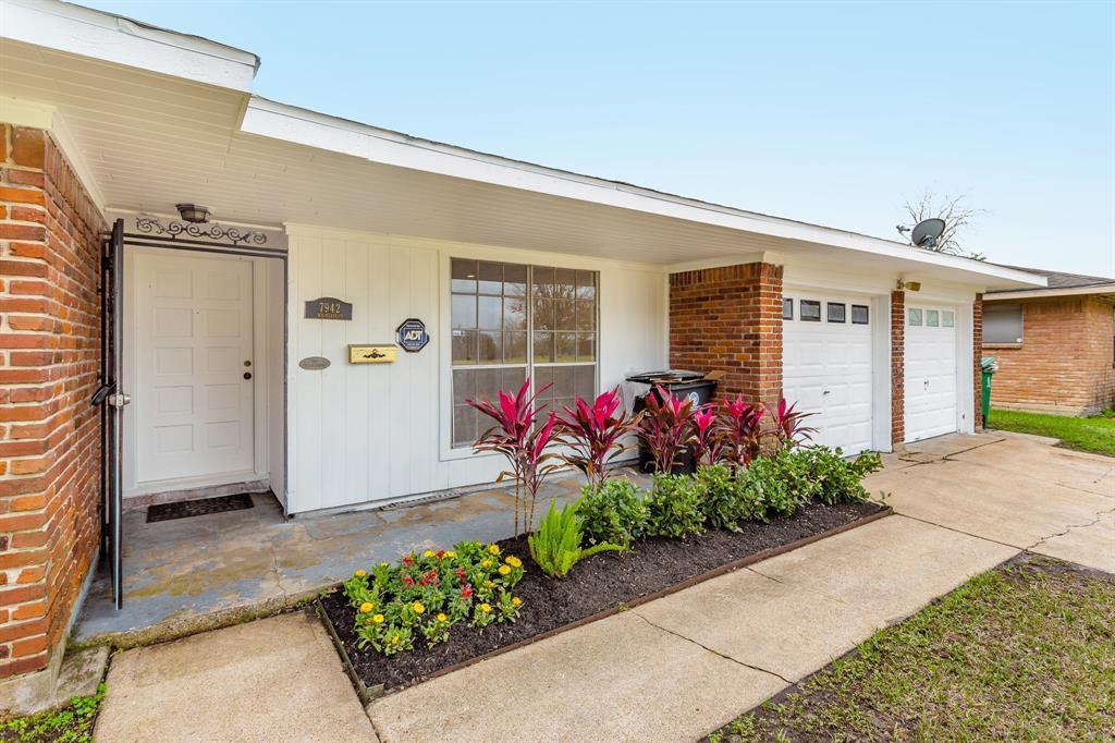 7942 Wilmerdean Street, Houston, TX 77061