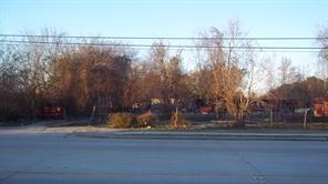 1416 gears road, houston, TX 77067