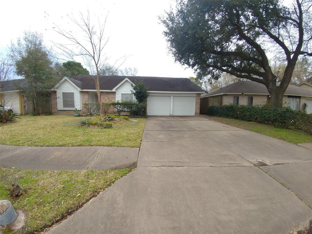 10711 Sharpview Drive, Houston, TX 77072