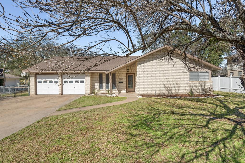 904 Briar Bend Court, Bryan, TX 77802