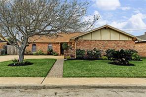 45 W Dansby Drive, Galveston, TX 77551