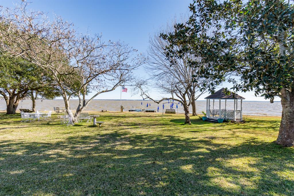 440 High Crest Drive, Point Blank, TX 77364